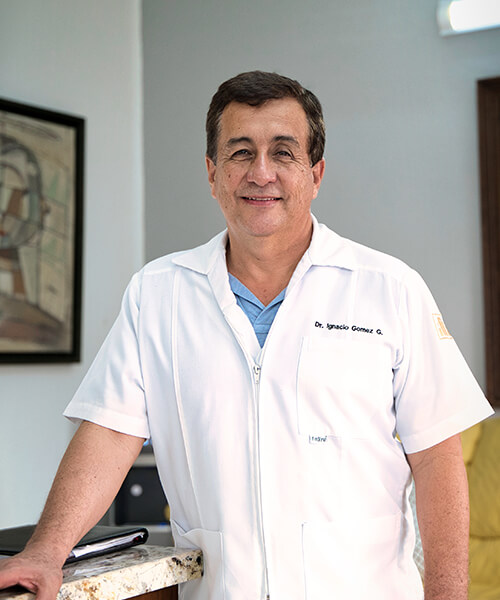 Shot of Specialist in Oral Rehabilitation and Cosmetic Dentistry, Dr. Ignacio